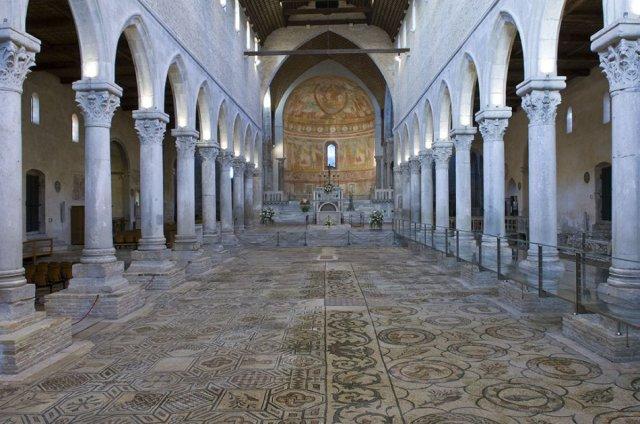 00_mosaici interno basilica_GB_1405428128096397700